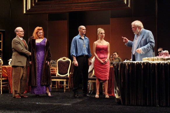 A scene from the 2006 production of King Lear at the Goodman Theater in Chicago.