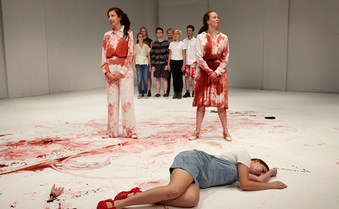 oedipus-schmoedipus-belvoir-2014-production-shot-4-by-ellis-parrinder