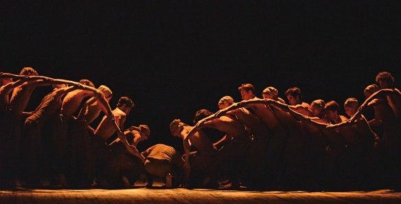 dm-dust-akram-khan-dancers-lines-arm-wave_1000